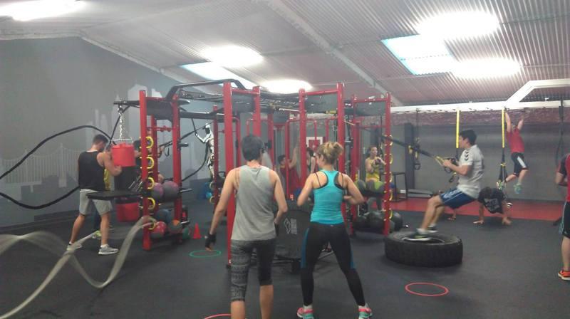 Equipamiento gimnasios nuevo y de ocasi n al mejor precio for Precio gimnasio